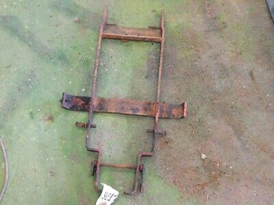 Allis-Chalmers D19 diesel tractor support brackets Tag #921