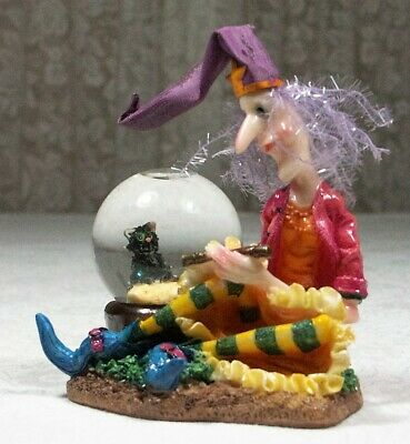 1 x Witch with Black Cat in a Water Snow Ball Figurine 11cm Poly Resin MYTH21