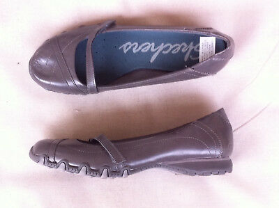 Skechers Grey Leather Look Mary Jane Flat Size 8 Us Gc