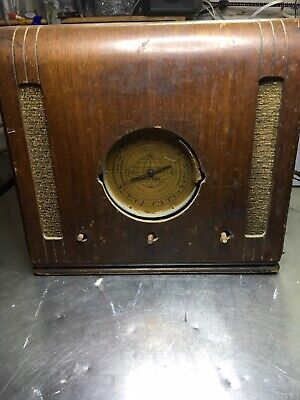 Vintage Art Deco Style Wood Cabinet SILVERTONE Tube Radio Police FOR PARTS