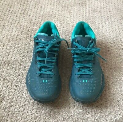 under armour women's hike shoes/trail run shoes size 8, worn ONCE!