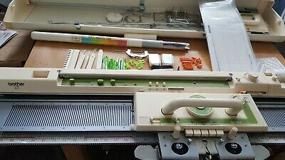 Brother kh881 knitting machine with lace carriage