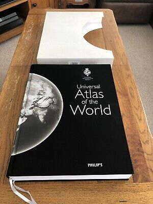 The Royal Geographical Society Philips Universal Atlas Of The World  MINT