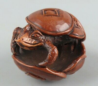 Chinese Exquisite Hand-carved frog Carving Olive nucleus statue