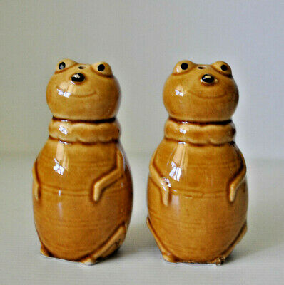 VINTAGE BEE or INSECT SALT AND PEPPER SHAKERS ~ CUTE DESIGN ~ TABLEWARE