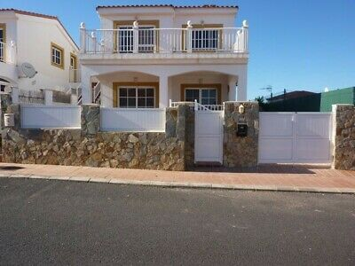 Caleta De Fuste, Holiday Home For Rent, Golf Course, 3 Bedrooms (sleeps upto 6)