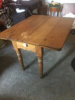 Victorian Small Farmhouse 4 Plank Pine table - Fold down sides