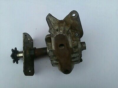 Lawnflight mower gear box