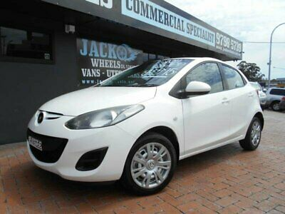 2011 Mazda 2 DE MY11 Neo White Automatic 4sp A Hatchback