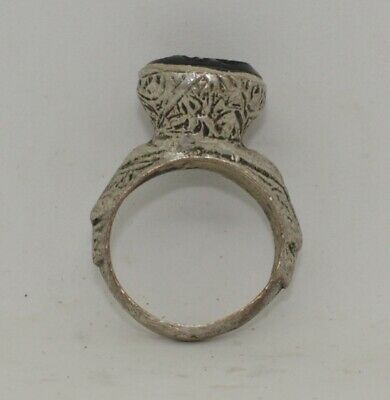Quality Post Medieval Silver  Intaglio Ring    099