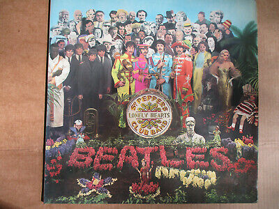 The Beatles - Sgt Peppers Lonely Hearts Club Band vinyl LP with insert 1st ed