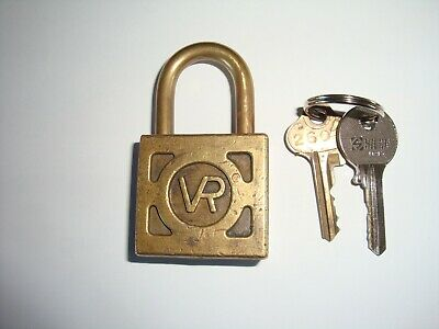 Collectable Old Vintage Brass Obsolete Vic. Railways S.S Padlock (lock) & 2 Keys