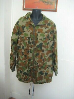 Camouflage Army Military Combat Jacket Size M (L) As NEW.