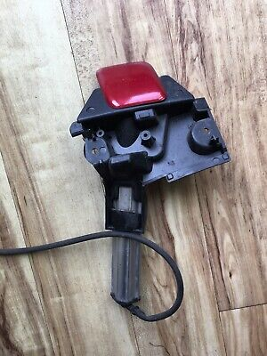 Peugeot 308 Headlight Washer Nozle 9680741980 Drivers Side With Bracket