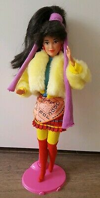 BARBIE MARINA UNITED COLORS of BENETTON 1990 MATTEL