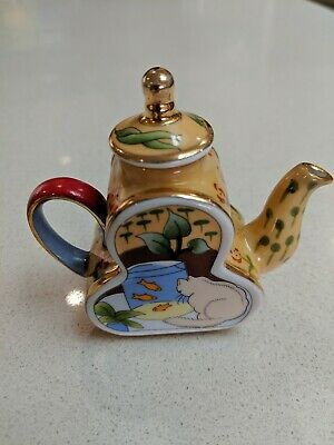 Maxwell Williams Heritage Collectible Miniature Teapot Cats Fish Bowl