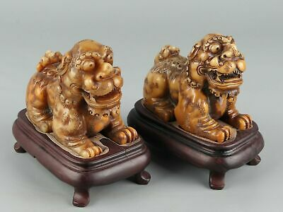 Chinese Exquisite Hand carved lion Carving Shoushan Stone statue A Pair
