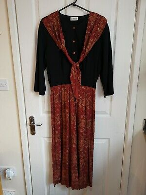 Vintage Dorothy Perkins Size 14 Black And Red Jumpsuit Gold Indian Pattern