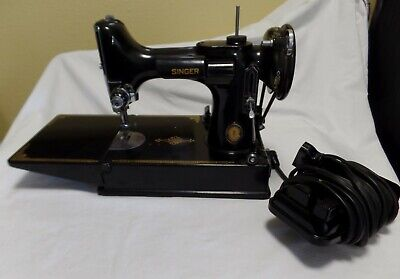 1950 Singer 221 Featherweight Sewing Machine With Case & Manual & Accessories