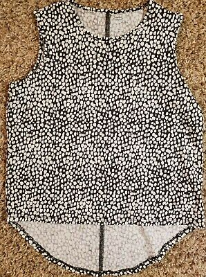 Old Navy girls cute tank top.  Youth Size 8 Black and white