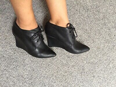 clarks narrative Black Leather Pointed Lace Up Wedge Heel Ankle Boots 4.5 D