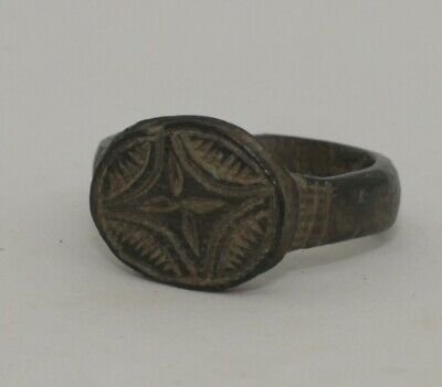 HIGH QUALITY ROMAN BRONZE RING - CIRCA 2nd CENTURY AD   0998