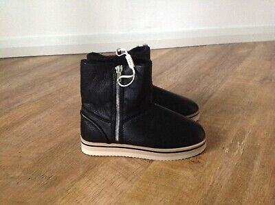 Girls Black Boots By Zara UK Size 2 (35)  New with tags !