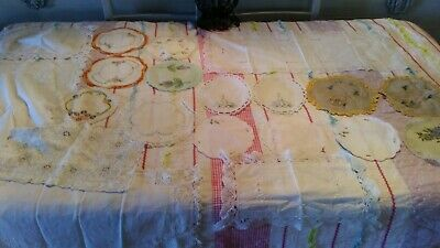 21 Vintage Doilies 1 Lace Table Runner    (007036) Refd8