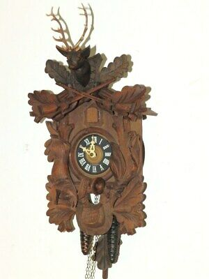 Nice  Hunting  Cuckoo Clock Black Forest Clock 1930 - 1960 With Two Weights