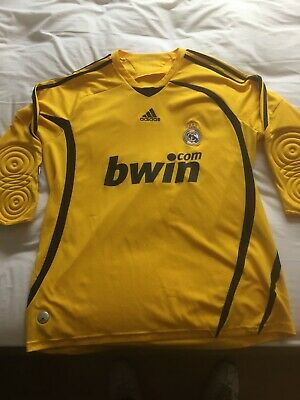Mans large yellow Real Madrid Goalkeepers shirt- used good condition