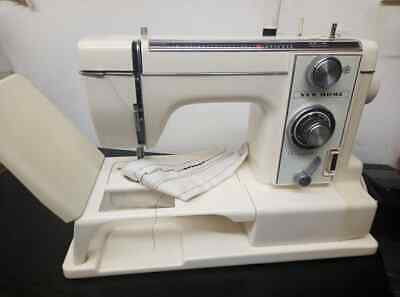 Vintage New Home XR-V11 900 Electronic Sewing machine All Original extras great