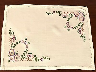 VINTAGE HAND EMBROIDERED BLUE WHITE LINEN TABLE CENTRE TRAY CLOTH 16X10""