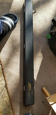 Cue Craft 'reinforced maple' 'Stinger' 1/2 Snooker Cue With Case.