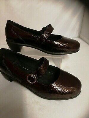 Cosyfeet Ladies Hettie Shoes size 8 extra wide Garnet Croc Print New christmas
