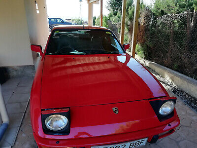 For Sale  Porsche 924S  - 1985 - Automatic - Guards Red