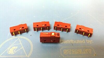 Unimax WHB395B-05A-W SPDT 15A Pin Plunger Micro Limit Switch NOS