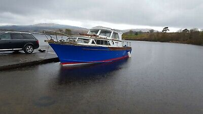 Pacemaker 29ft Motorboat