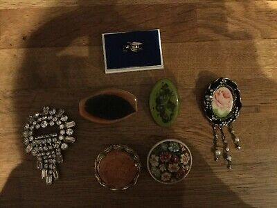 7 Pieces Job Lot vintage costume jewellery brooches.