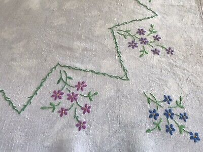 Vintage Fine Linen Hand Embroidered Table cloth 128 X 128 Cm