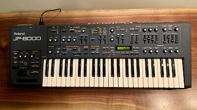 Roland JP-8000 Keyboard Synthesizer, excellent condition, just serviced!