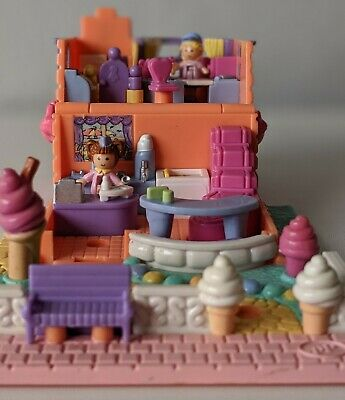 POLLY POCKET 1995 Strawberry Scented Ice Cream Parlour *COMPLETE*
