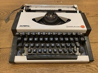 Vintage Olympia Traveller De Luxe S . Fully Working