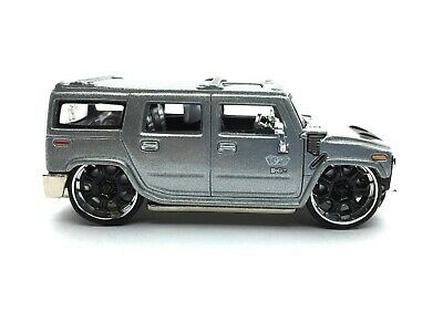Maisto Playerz Luxury Collection Hummer H2 SUV Silver Die Cast 1/64 Scale Loose