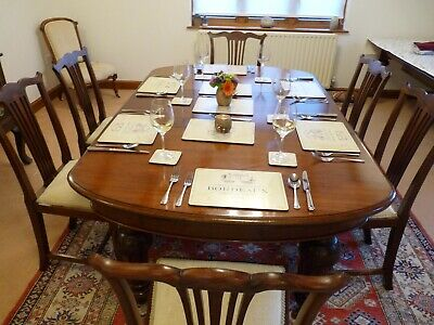 Large Victorian mahogany dining table seats 6-8