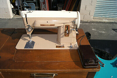 Singer 404 Sewing Machine Slant Needle Straight Stitch Gear Drive vintage singer