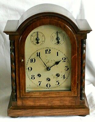 Good Quality Oak Westminster Chiming Mantel Clock In Good Working Order