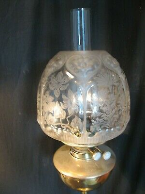 EXCELLENT  ETCHED and MOULDED BEEHIVE SHADE  for an OIL LAMP