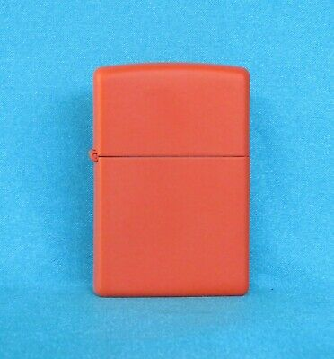 Mint Condition Cool Collectable 2015 Orange  Zippo Lighter.