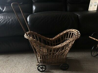 Lovely old school dolls pram with seat