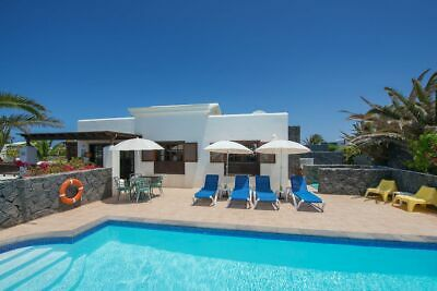 Villa in Playa Blanca,Heated Pool,Free Wifi with english tv channels